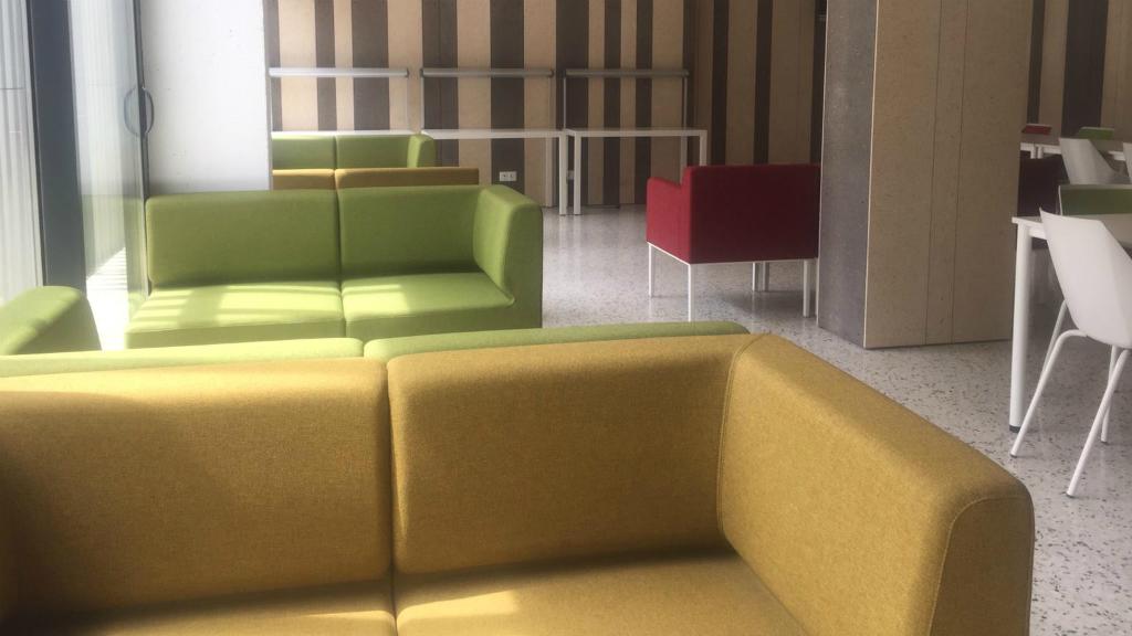 hotel social poble nou