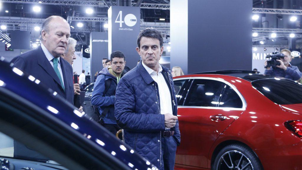 Manuel Valls al Saló de l'Automòbil