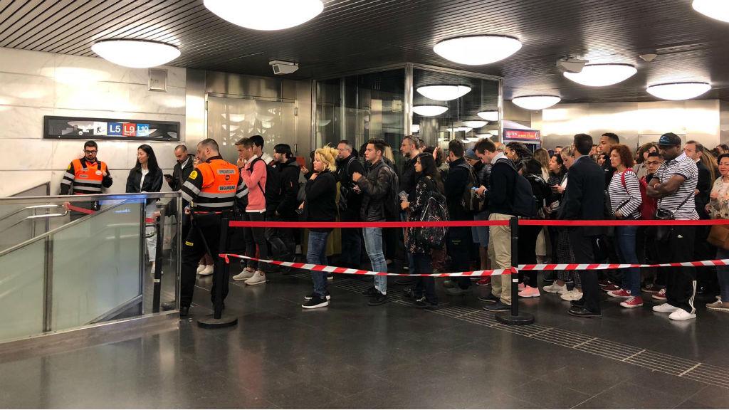 Accés regulat La Sagrera per la vaga de metro