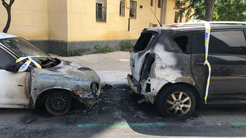 Cotxes cremats al Poblenou