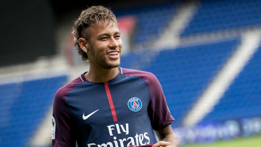 Neymar visitarà Barcelona