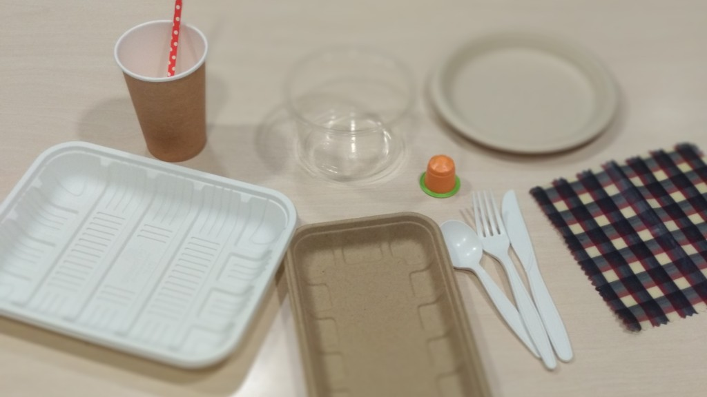 Gots, coberts i diversos elements de plàstic