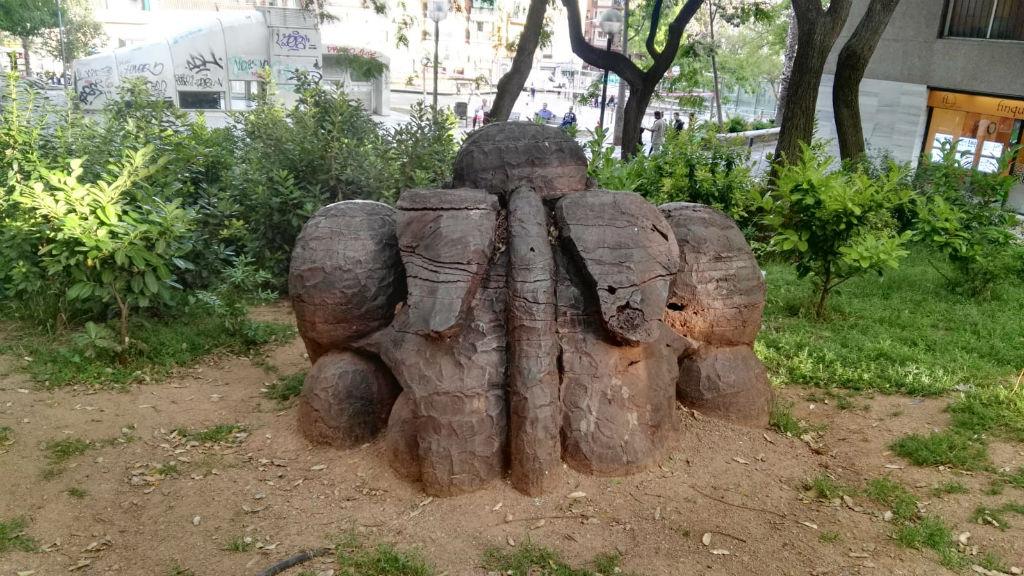 Una de les escultures de Jaume Plensa de Nou Barris.