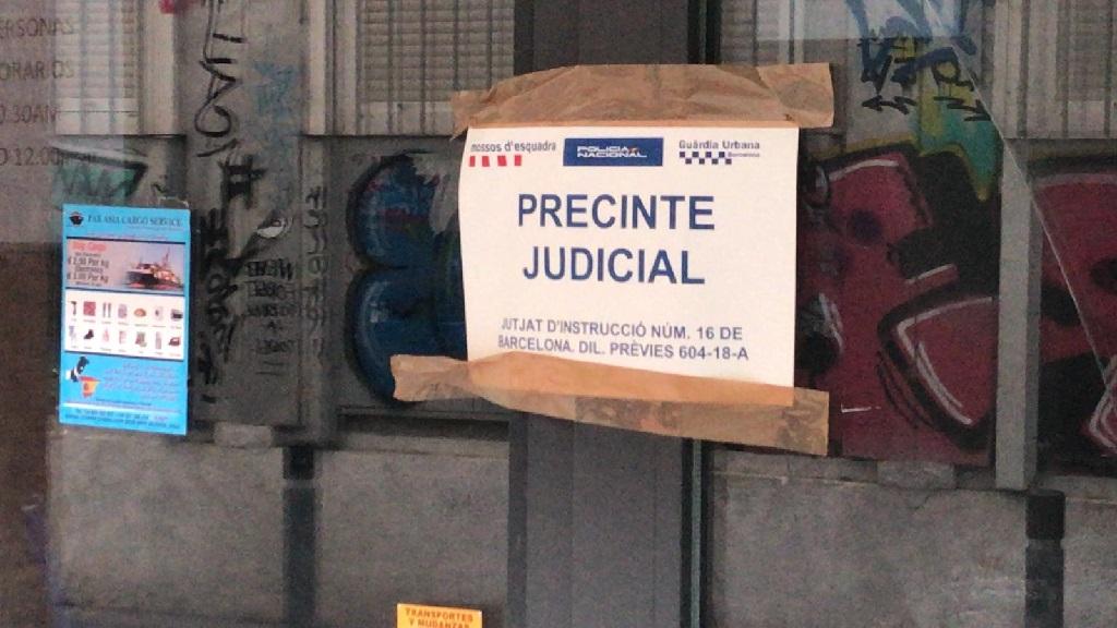 Precinte judicial en un establiment del Raval