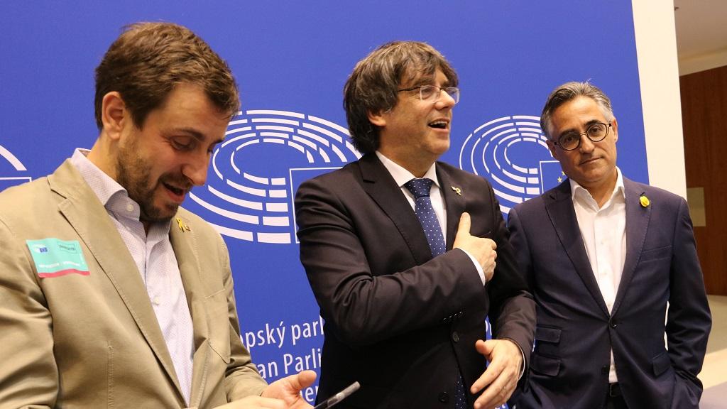 Pla conjunt de Toni Comín, Carles Puigdemont i Ramon Tremosa
