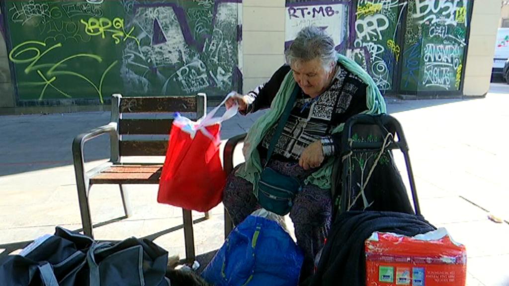 La Maria Rosa fa quatre anys que viu al carrer a Barcelona.