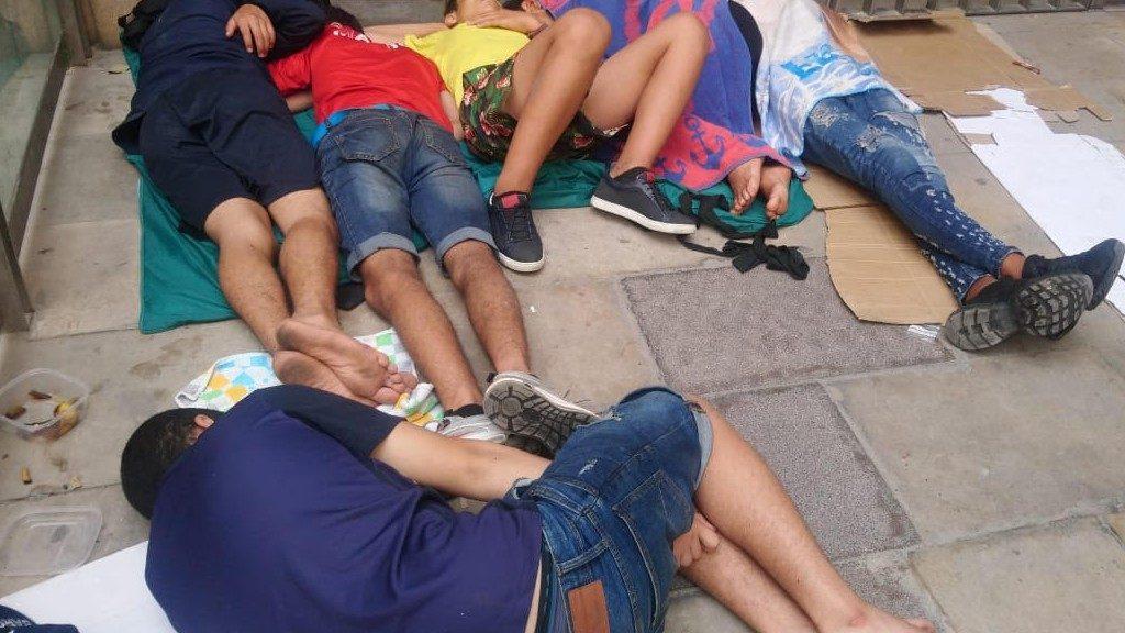 Menors dormen Santa Anna