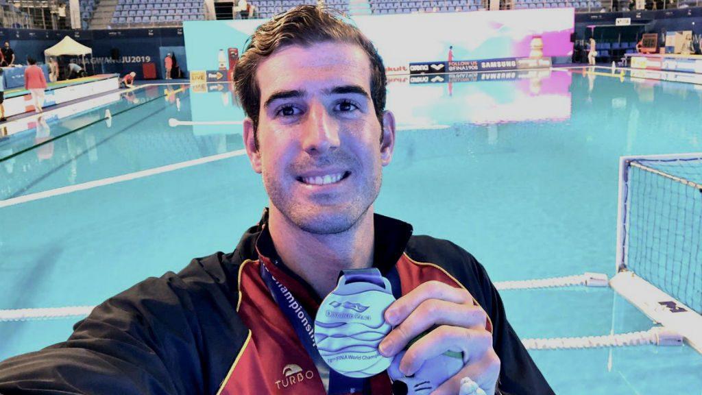 Miguel de Toro amb la medalla de plata del Mundial