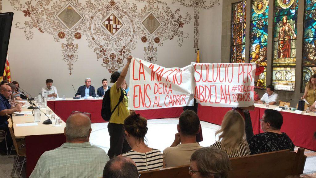 Protesta al Consell Plenari de Sants-Montjuïc per l'habitatge