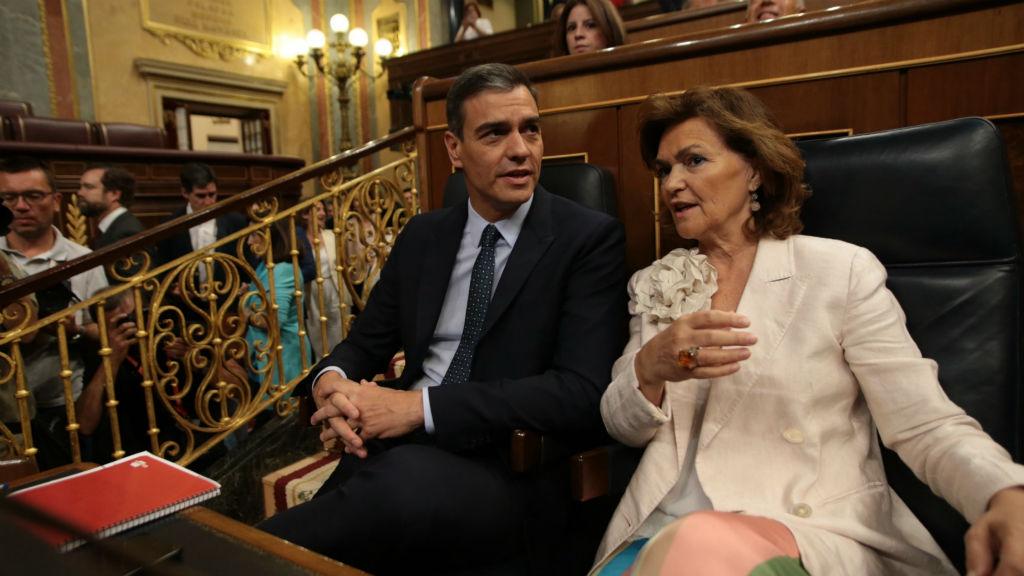 Pedro Sánchez i Carmen Calvo a la sessió d'investidura del Congrés