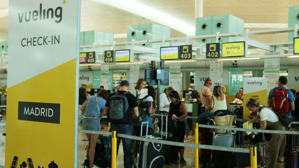 Resultado de imagen para desenvolupant les vagues als aeroports espanyols