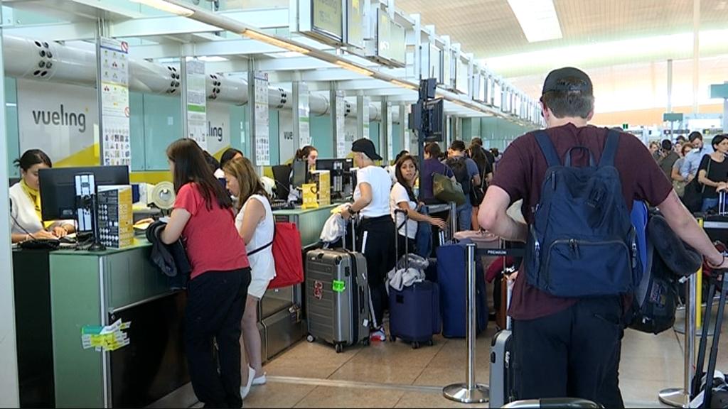 Cues per la vaga d'Iberia a l'aeroport del Prat