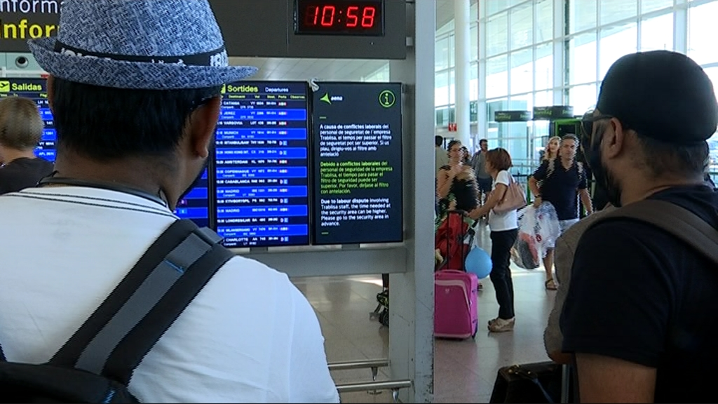 Cancel·lacions per la vaga d'Iberia a l'aeroport