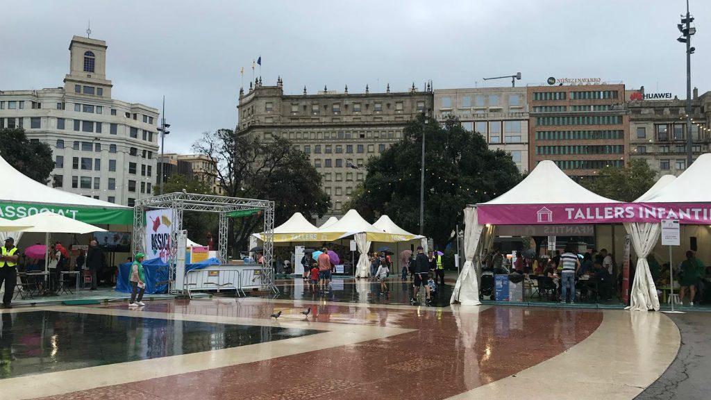 Associa't a la plaça Catalunya