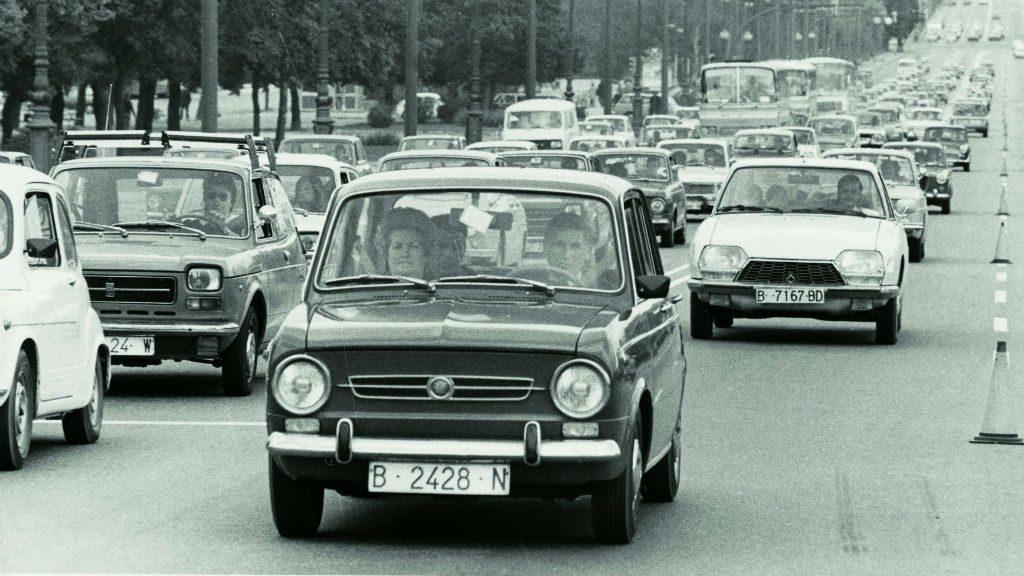 Fotografia de l'avinguda Diagonal durant l'operació sortida pel pont de Setmana Santa l'any 1974