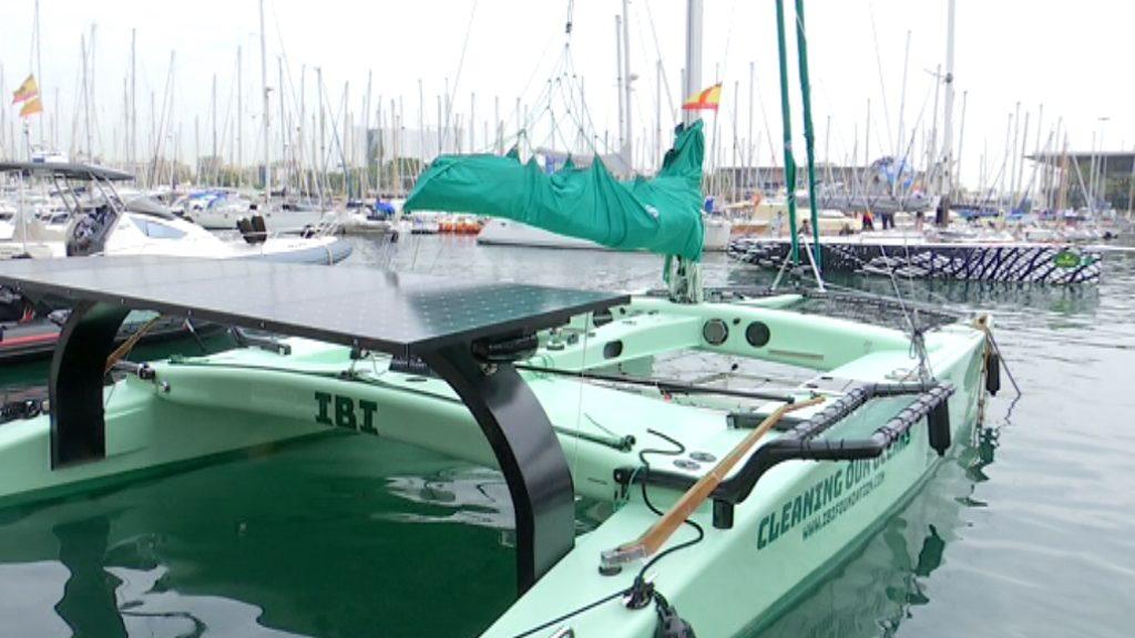 saló nàutic catamaran energia solar