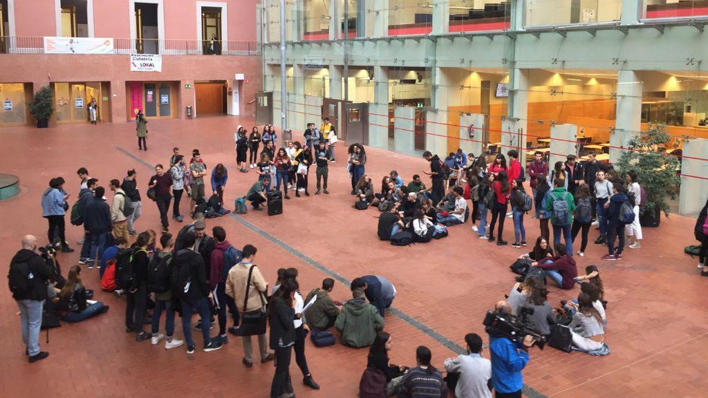 Concentració estudiants UPF