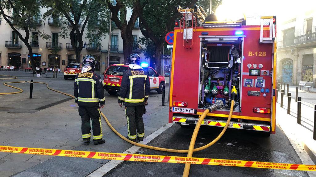 Incendi al carrer de l'Hospital.