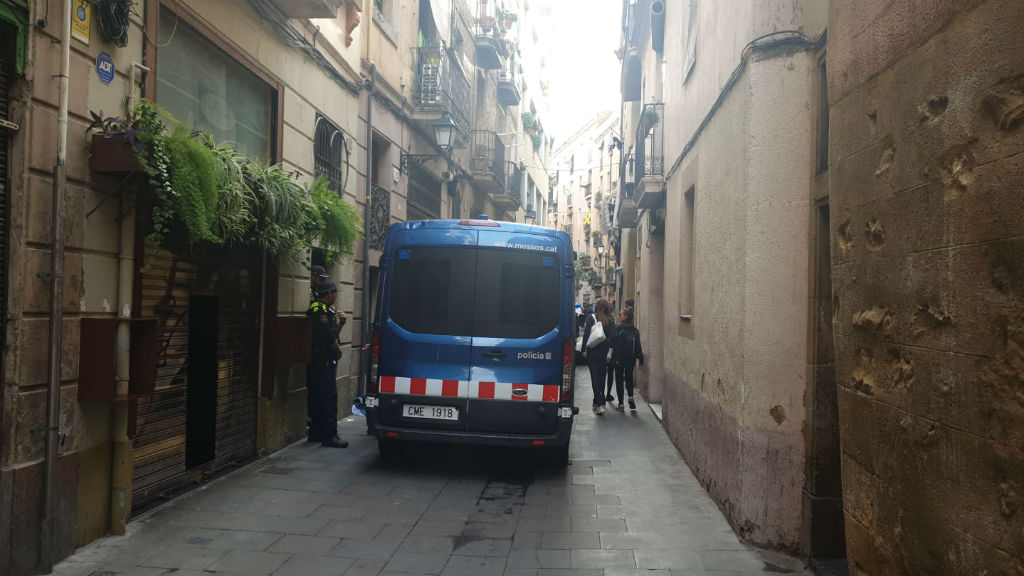 Mossos al carrer de la Cera