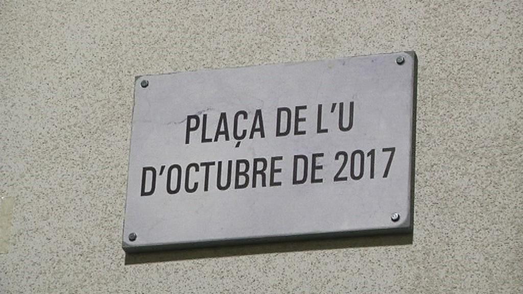 plaça 1 octubre Guinardó Barcelona