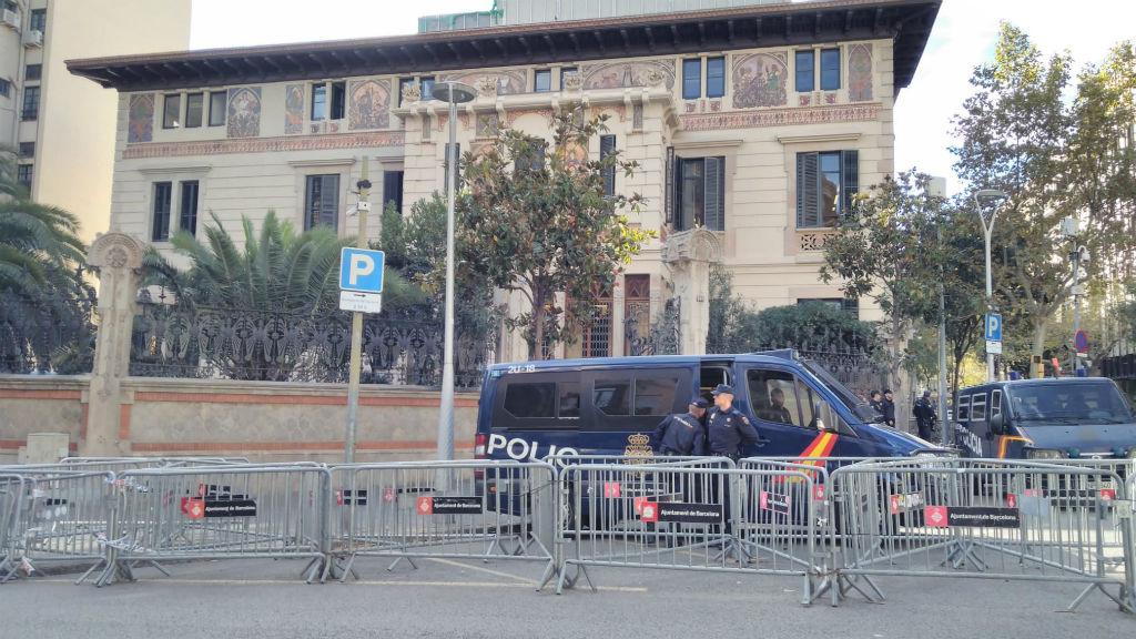 delegació del govern a catalunya amb policia