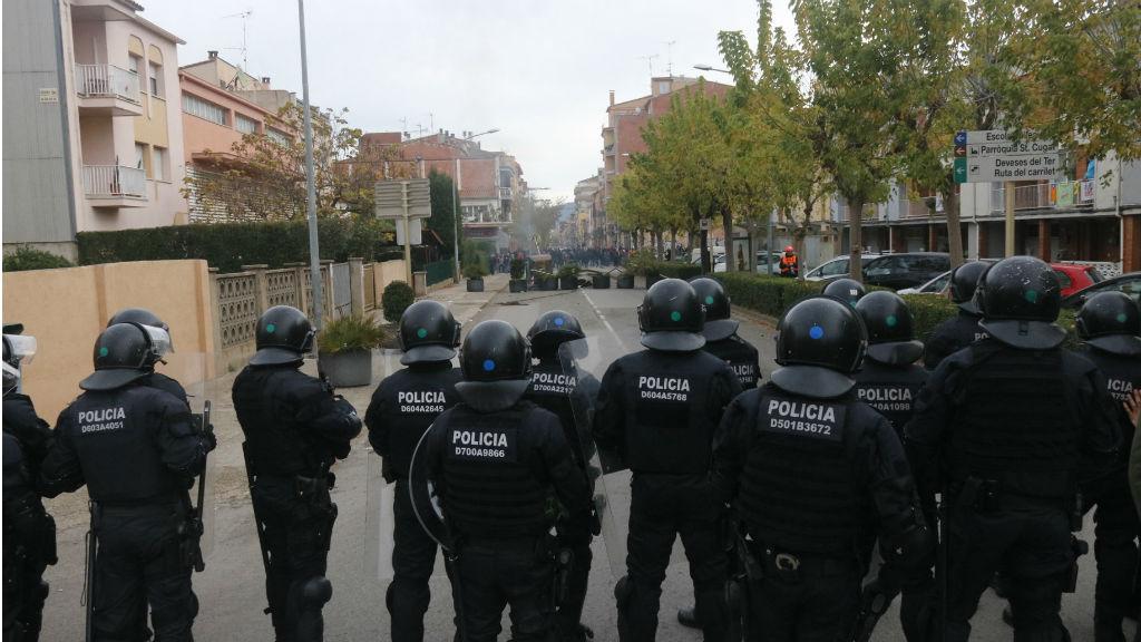 Línia policial a Salt (Girona).