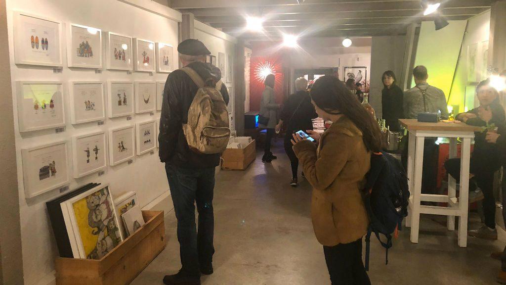 Exposició a la galeria d'art La Plataforma durant l'Open Night