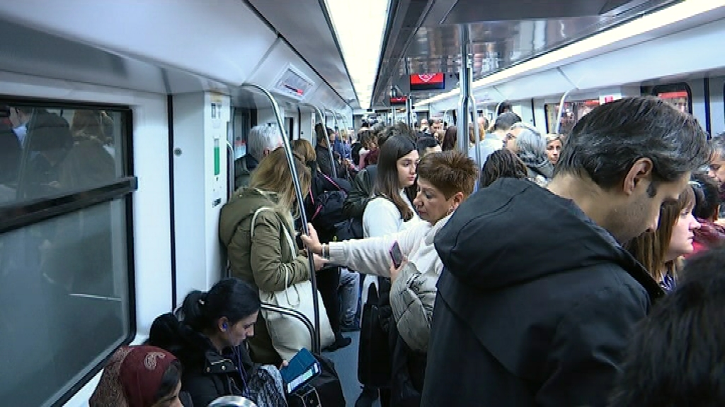 Metro i Rodalies saturats
