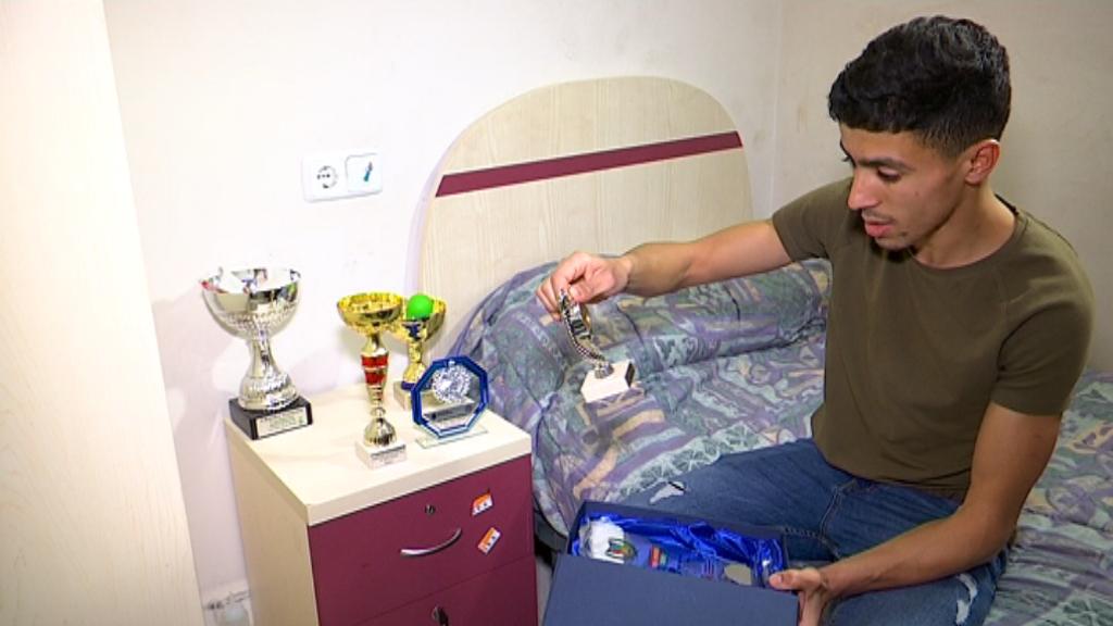 El Mohammed a l'habitació del centre Maria Feixa.
