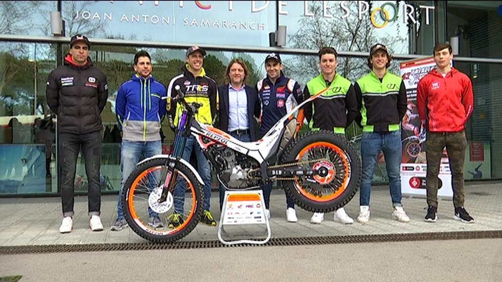 Set dels vuit pilots que participaran al Trial Indoor Barcelona