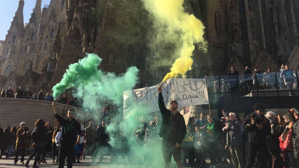 Manifestació de l'Agrupament Escolta de la Sagrada Família