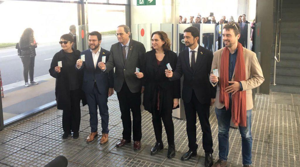 Torra i Colau a l'estrena de l'estació de Zona Franca de l'L10 Sud