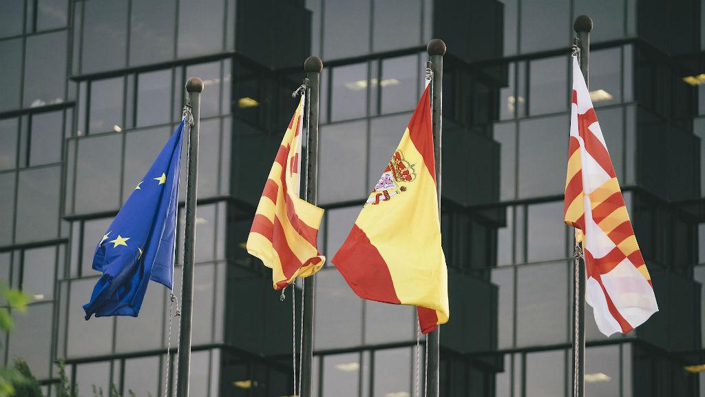 Espanya declara l'estat d'alarma.