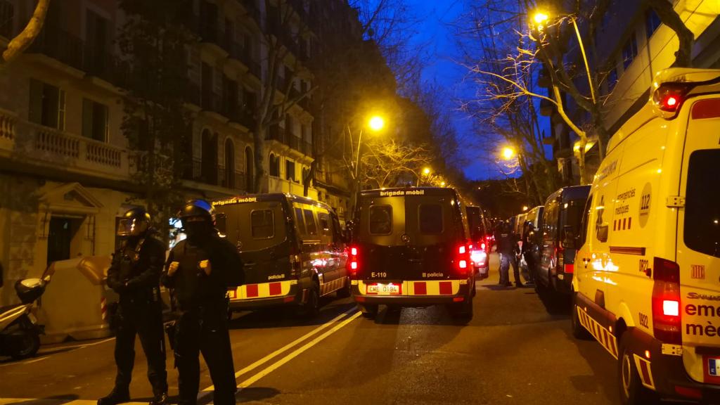 mossos desnonament bloc llavors