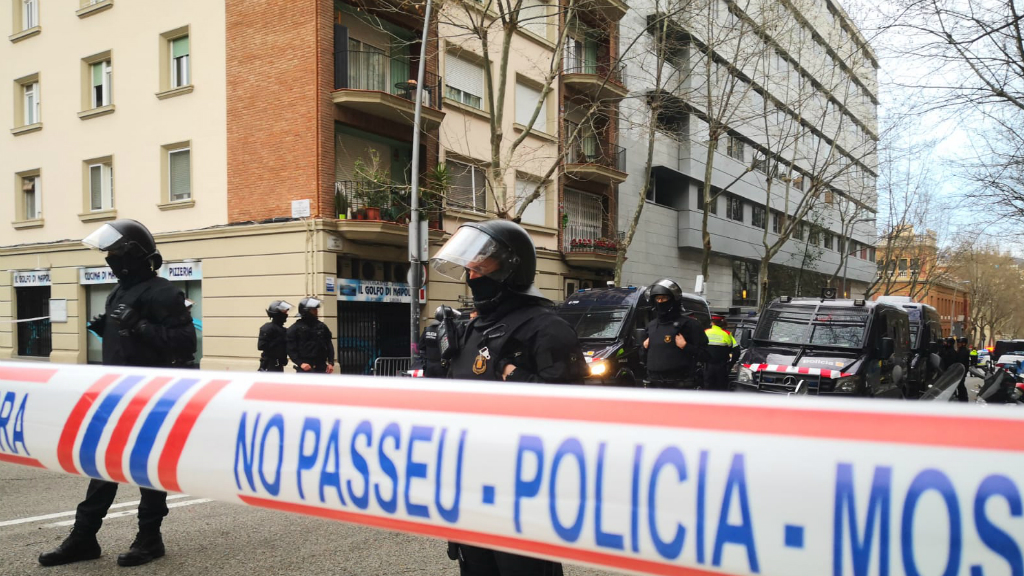desplegament mossos bloc llavors