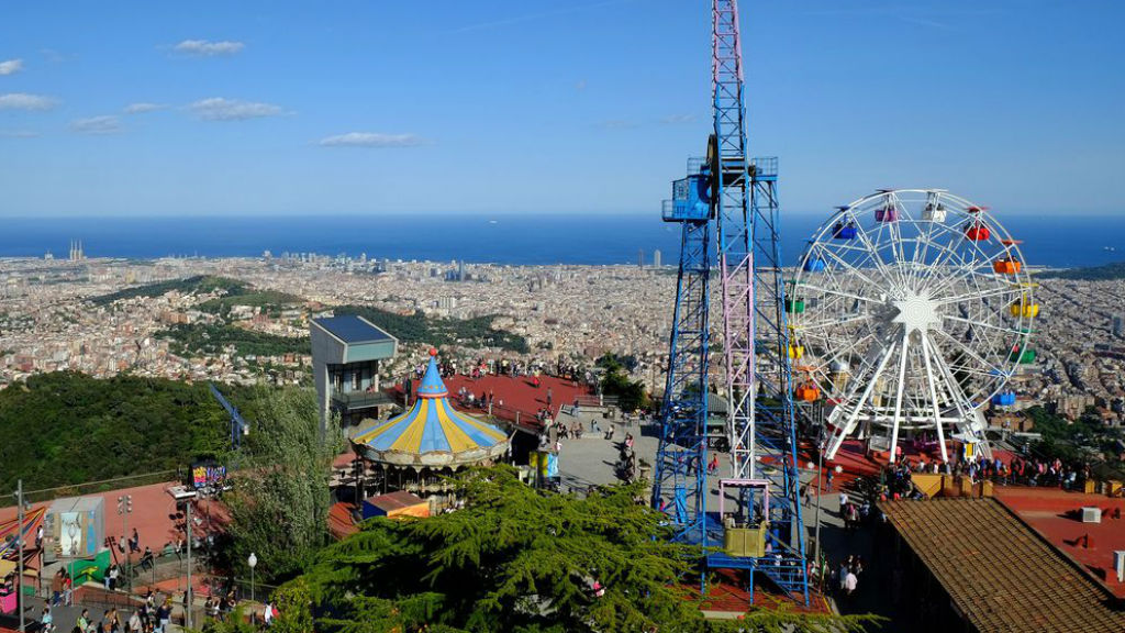 Vistes del Parc d'atraccions del Tibidabo