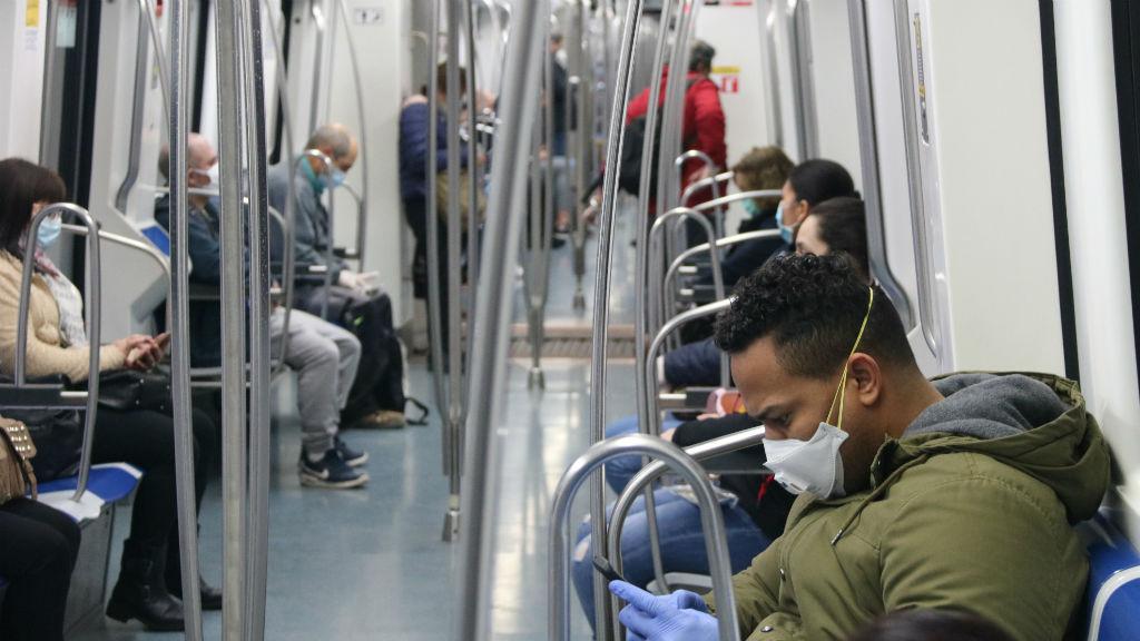 Usuaris del metro el 14 d'abril de 2020