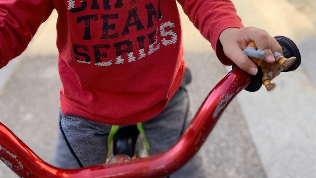 nen bicicleta desconfinament coronavirus