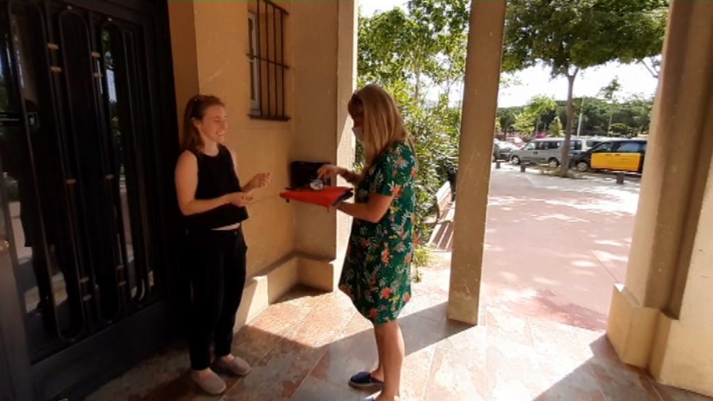 Recollida i entrega de dispositius electrònics al Poble-sec