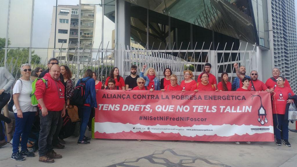 Protesta de l'Aliança contra la Pobresa Energètica el 28 de maig de 2019 davant la seu de Naturgy