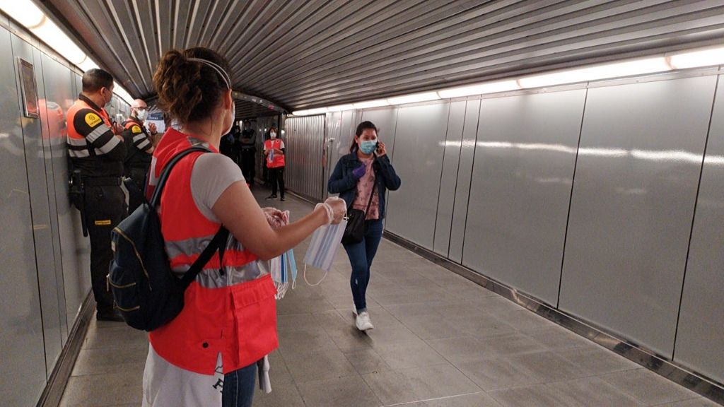 metro Barcelona mascaretes