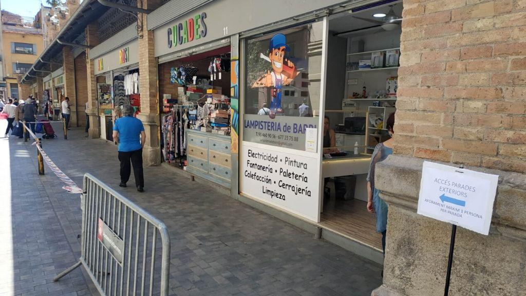 parades exteriors mercat sants protecció coronavirus