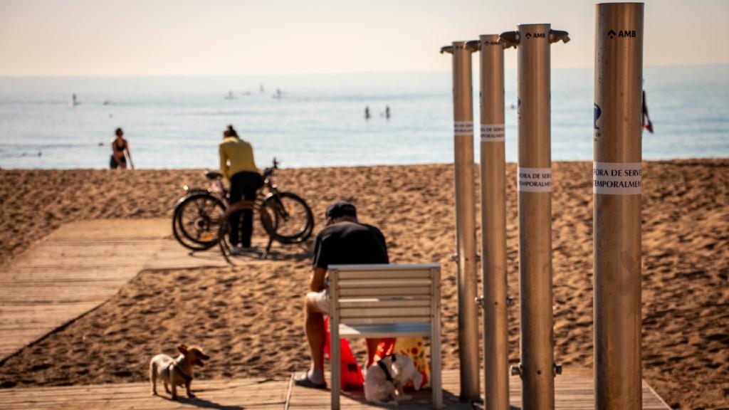 Dutxes inoperatives desconfinament platges