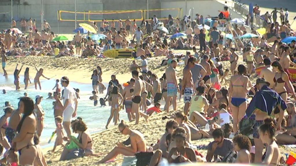 es pot anar a la platja barcelona
