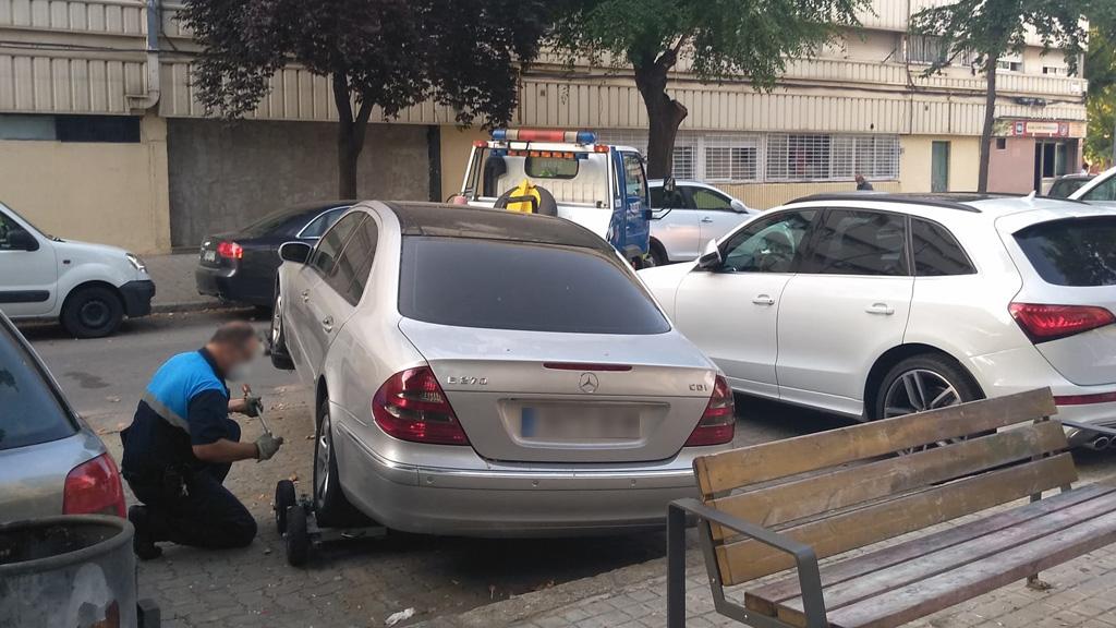 Retirada d'un vehicle aparcat