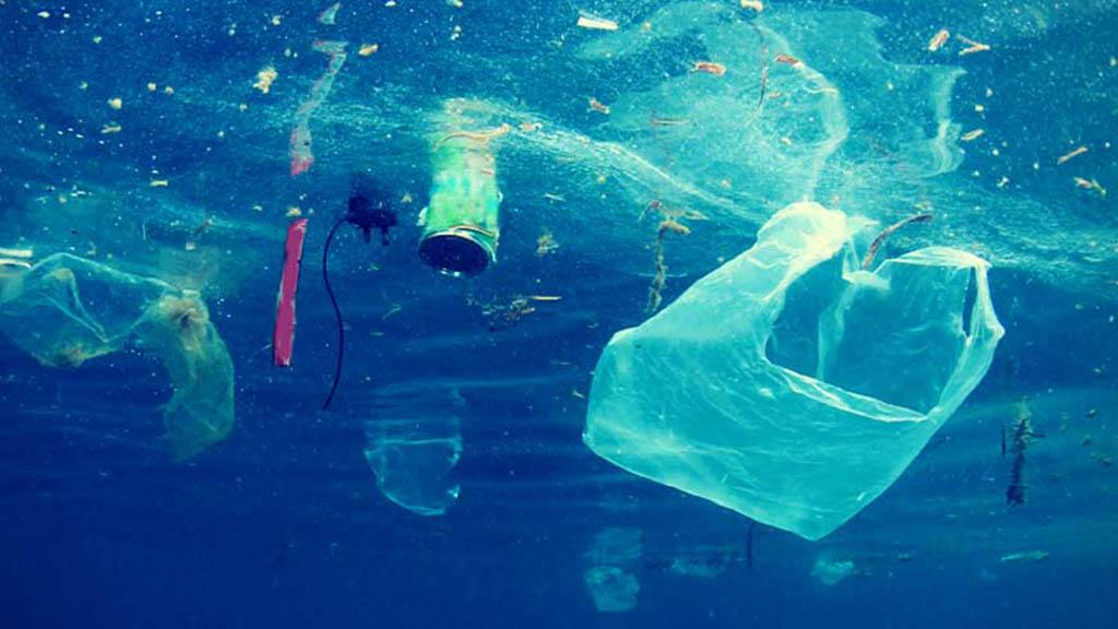 Sitges reconvertir plàstics en teixits
