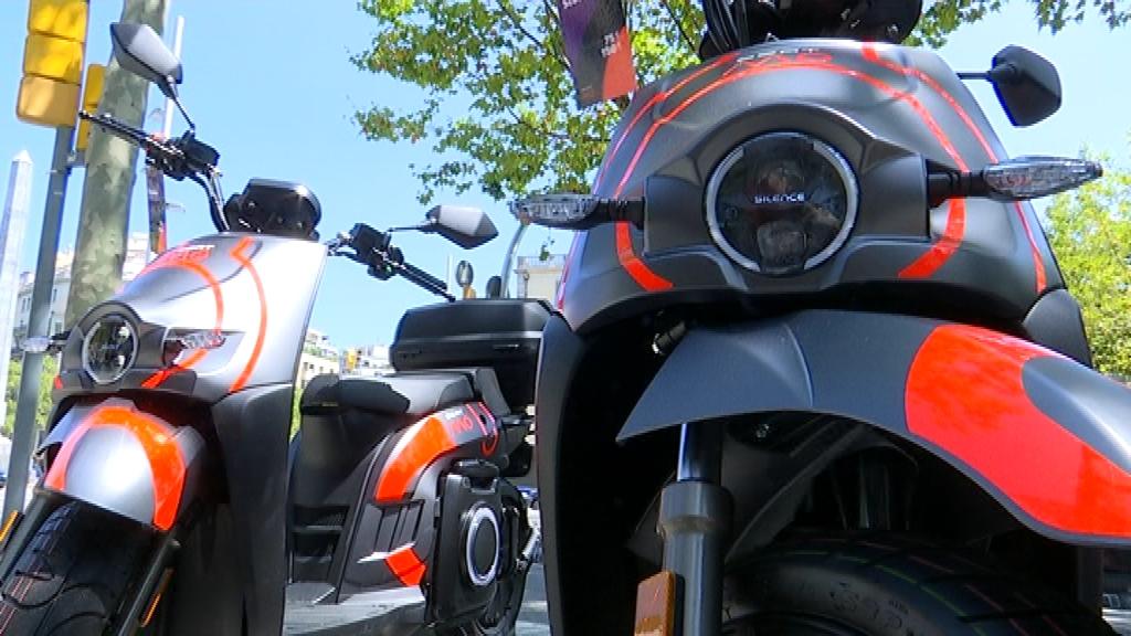 motosharing seat motos al carrer