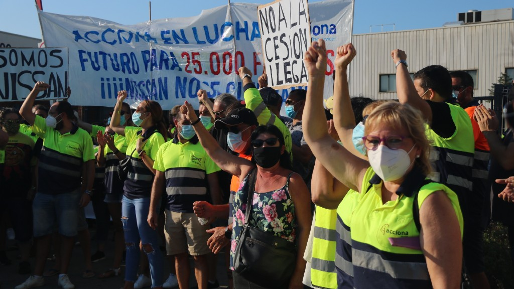 Protesta Acciona davant de la planta de Nissan
