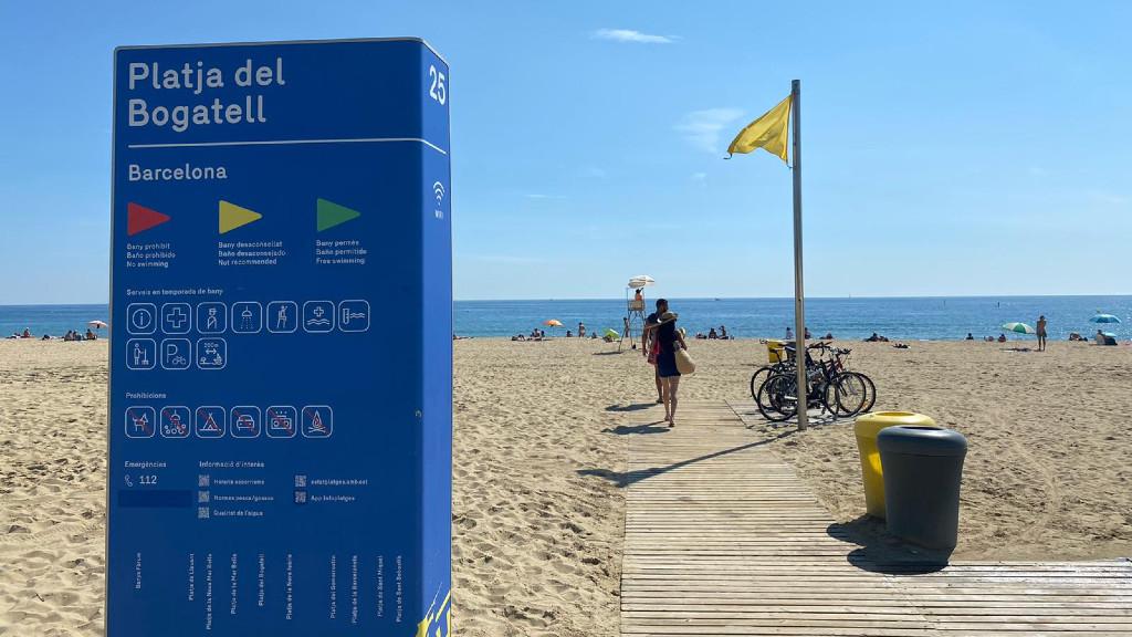 Bandera groga a les platges de Barcelona