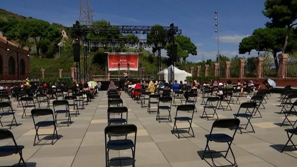 Concert amb cadires buides